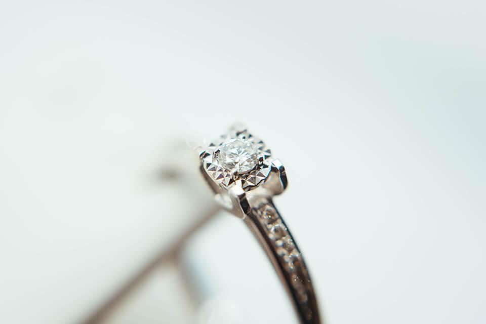 鑽石賣掉有錢嗎?賣鑽石、賣鑽戒前先知道怎麼估價